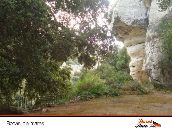 Rocas de Mares en el Barranc d Algendar