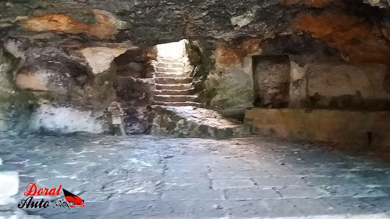 Interior de la cova des pardals
