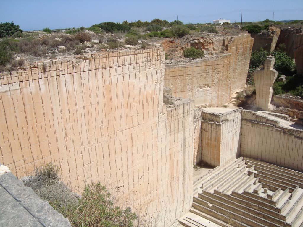 Canteras de s'Hostal, una visita indispensable cerca de la Ciutadella de Menorca
