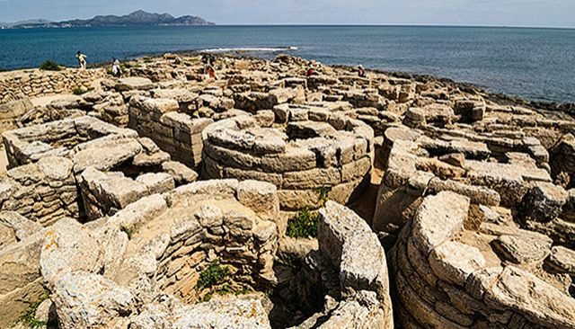 Descubre la Menorca prehistórica y maravillate con su cultura