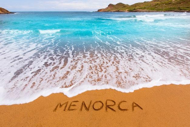 Como alquilar un coche en Menorca